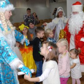 Новогодний спектакль в детском отделении клиники